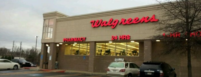 Walgreens is one of Lisaさんのお気に入りスポット.