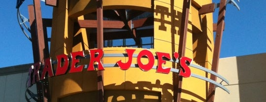 Trader Joe's is one of Poojaさんのお気に入りスポット.