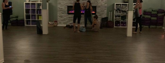 Medwell Spa & Yoga Studio is one of สถานที่ที่ Natalie ถูกใจ.