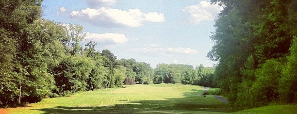 Jennings Mill Country Club is one of Posti che sono piaciuti a Paige.