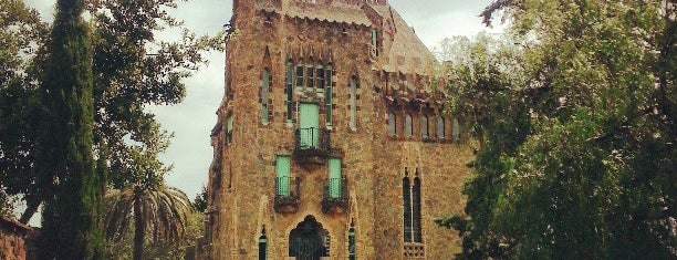 Torre Bellesguard is one of Barcelona Monumental.