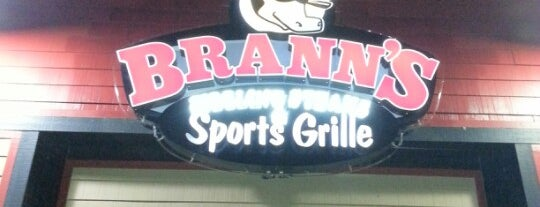 Brann's Steakhouse & Grille is one of สถานที่ที่ Mike ถูกใจ.