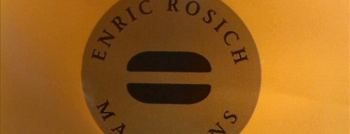 Enric Rosich Boulevard Rosa is one of Locais curtidos por Jesus.