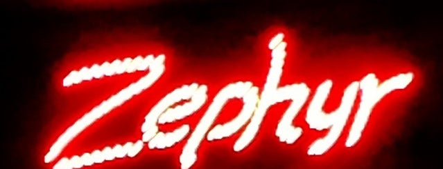 Zephyr Cafe is one of Locais curtidos por 💄🎀YsMN.