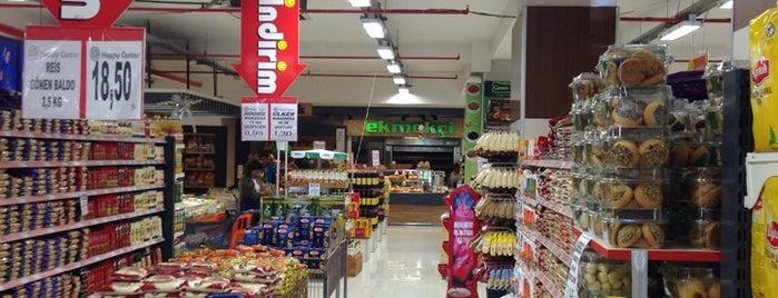 Happy Center is one of Tempat yang Disukai Murat Selim.