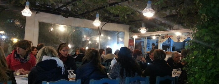 Taverna Garden is one of Posti salvati di Ceren.