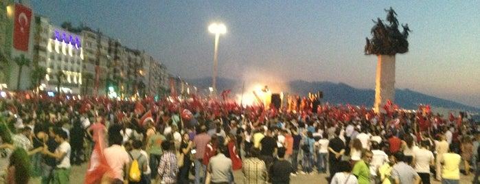 İzmir Gezi Parkı Direnişini Destekliyor #direngeziparki is one of Lugares favoritos de Engin.