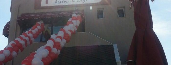 Nefis-Tat Bistro Cafe is one of Lieux qui ont plu à S..