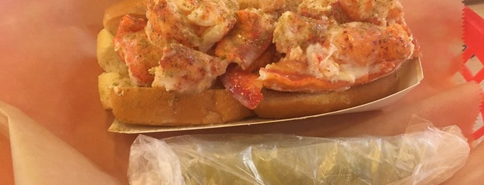 Luke S Lobster Is One Of The 15 Best Places For In Chicago