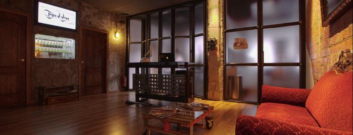 Tinta al Alma. Tattoo & Piercing is one of hostel.