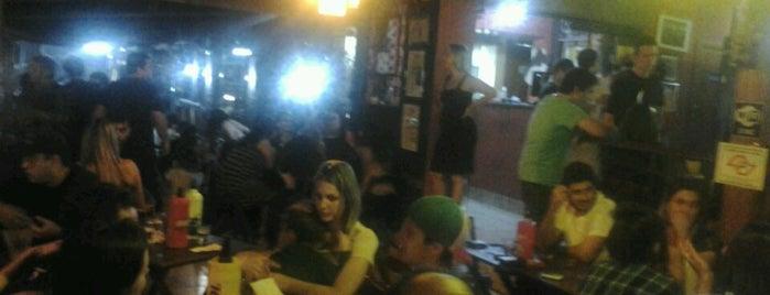 Vira Copos - Bar e Grill is one of Locais curtidos por Tadeu.