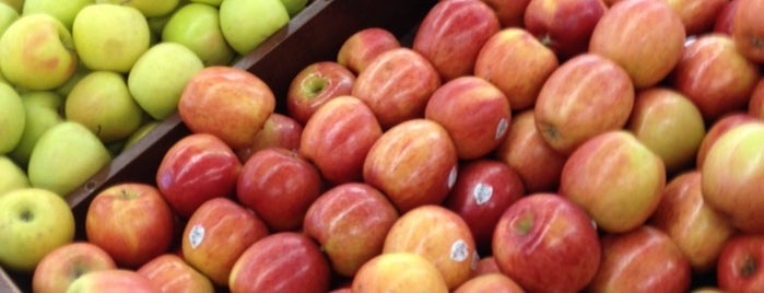 Family Fruit Market is one of Best in Chicago.