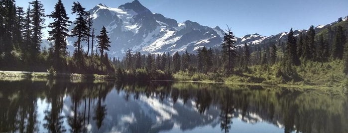 North Cascades National Park is one of National Recreation Areas.