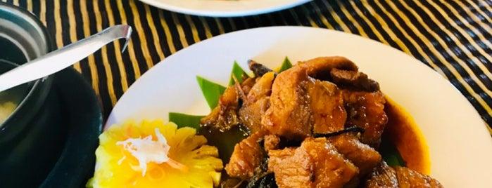 Khmer Wooden House Restaurant is one of Orte, die Enda gefallen.