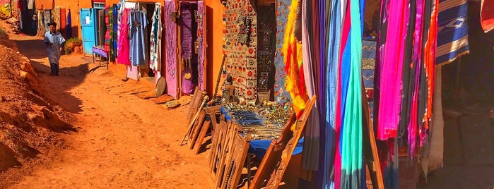 Ksar of Ait-Ben-Haddou is one of Marruecos.