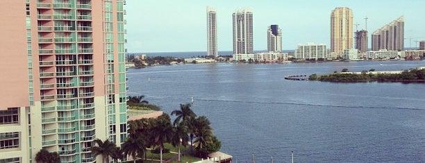 Aventura Marina Resort & Spa is one of สถานที่ที่ vane ถูกใจ.