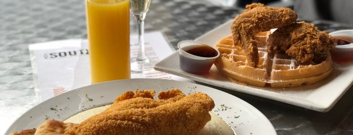 The South Chicken & Waffles is one of Locais salvos de Sharon.