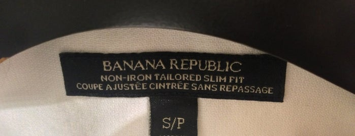Banana Republic is one of Locais curtidos por Adrian.