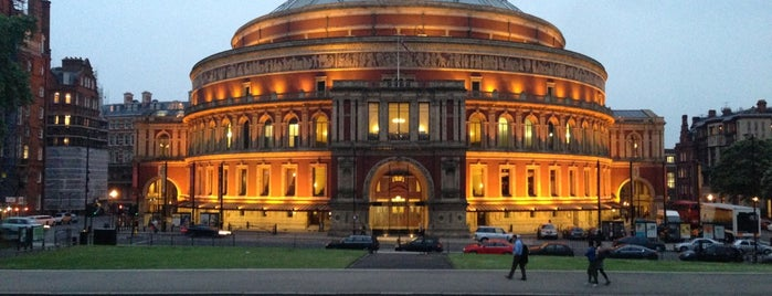 Royal Albert Hall is one of Orte, die Aline gefallen.