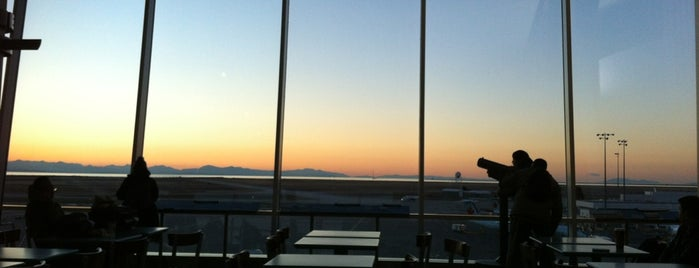 YVR Observation Deck is one of Victoria-star's Saved Places.