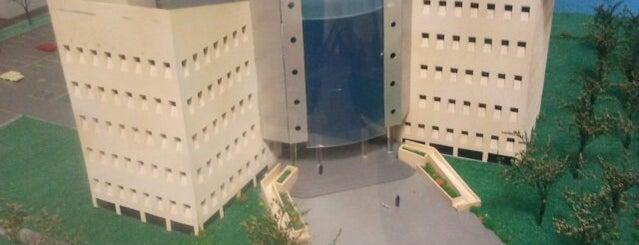 Centro de Investigación y Desarrollo en Ciencias de la Salud is one of Lugares favoritos de Mario.