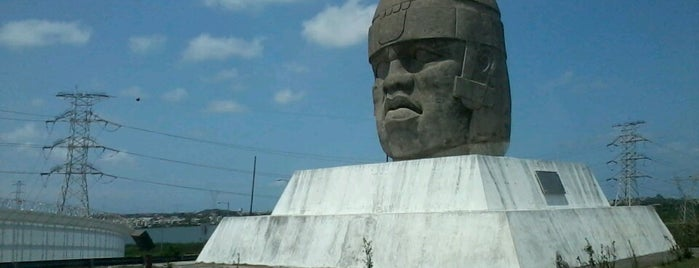Cabeza Olmeca is one of World Ancient Aliens.