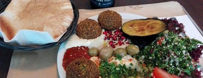 MEZZE hummus & falafel is one of Gespeicherte Orte von Travelsbymary.