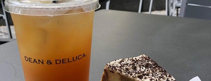 Dean & DeLuca is one of Hawaii 2019🌺.