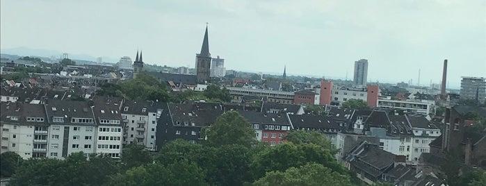 Holiday Inn Express is one of Köln 🇩🇪.