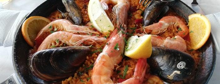 El Caleton Restaurant is one of Posti che sono piaciuti a Nicola.