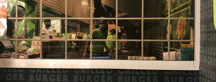 Grilled Burger B1 is one of Posti salvati di Queen.