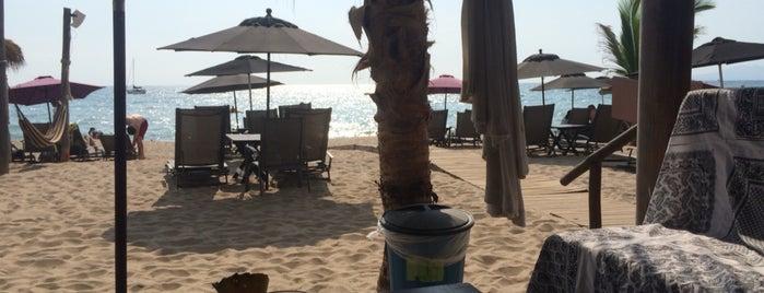 Mahi Beach House is one of Locais curtidos por René.