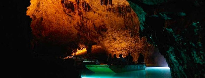 Jeita Grotto is one of Beirut, Lebanese.
