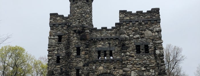 Bancroft Tower is one of Locais curtidos por Jim.