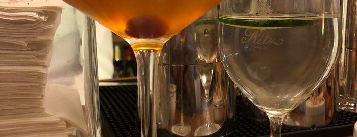Bar Hemingway is one of Locais curtidos por Andre.
