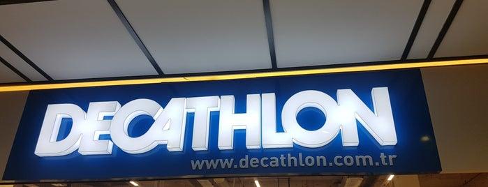 Decathlon is one of Locais curtidos por Habibe.