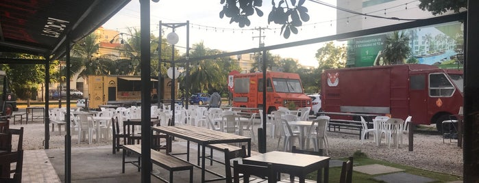 Food Truck Cancun is one of Lugares favoritos de Twitter:.