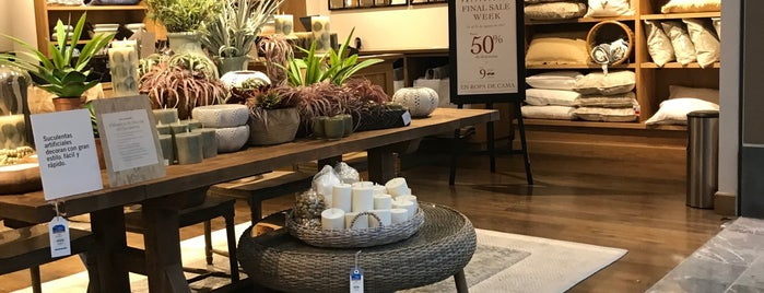 Pottery Barn is one of Posti che sono piaciuti a Isabel.
