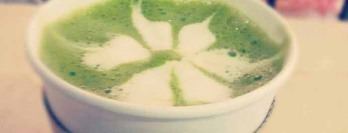 Dew Coffee is one of Lugares guardados de María.