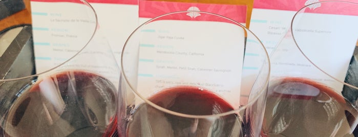 Flight Wine Bar is one of Lugares favoritos de Jillian.