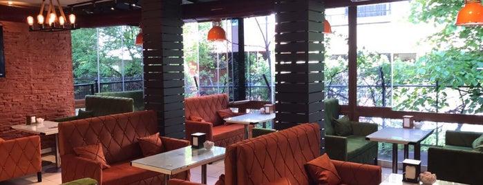 Sahra Cafe is one of Lugares favoritos de Ahmet.