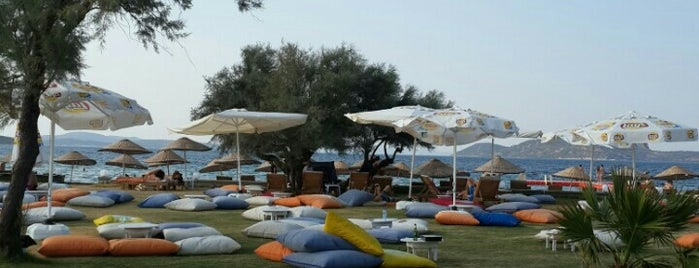 Aren Beach Club is one of Orte, die Sinan A. gefallen.