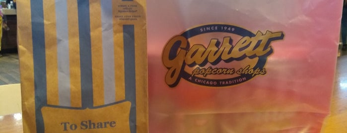 Garrett Popcorn Shops - Millennium Park Plaza is one of Chicago food.