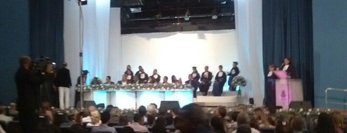 Teatro UNEB is one of VAMOS LA.....