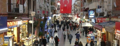 Bayraklı Sevgi Yolu is one of Olcay : понравившиеся места.