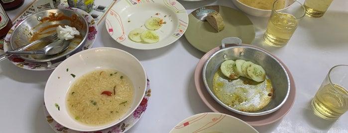 ร้านพรเทพ อาหารเช้ายอดนิยม is one of Yodpha 님이 좋아한 장소.