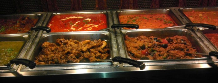 Best of India Indian Restaurant is one of Lugares guardados de Meredith.