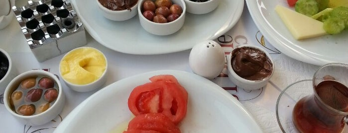 Sibelle Cafe is one of Balıkesir Cafeler.