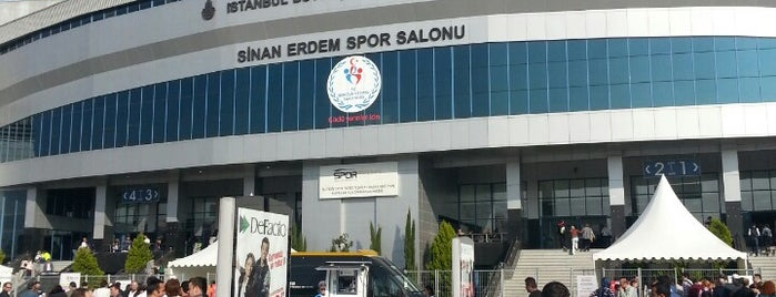 Sinan Erdem Spor Salonu is one of Bulent : понравившиеся места.