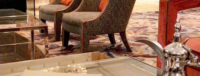 Lobby Lounge at Four Seasons Hotel Cairo at Nile Plaza is one of Graham'ın Beğendiği Mekanlar.
